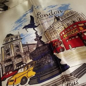 Vintage London Souvenir Scarf